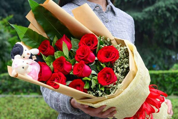 11朵红玫瑰的花语