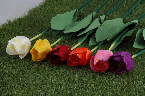 不同颜色的玫瑰的花语